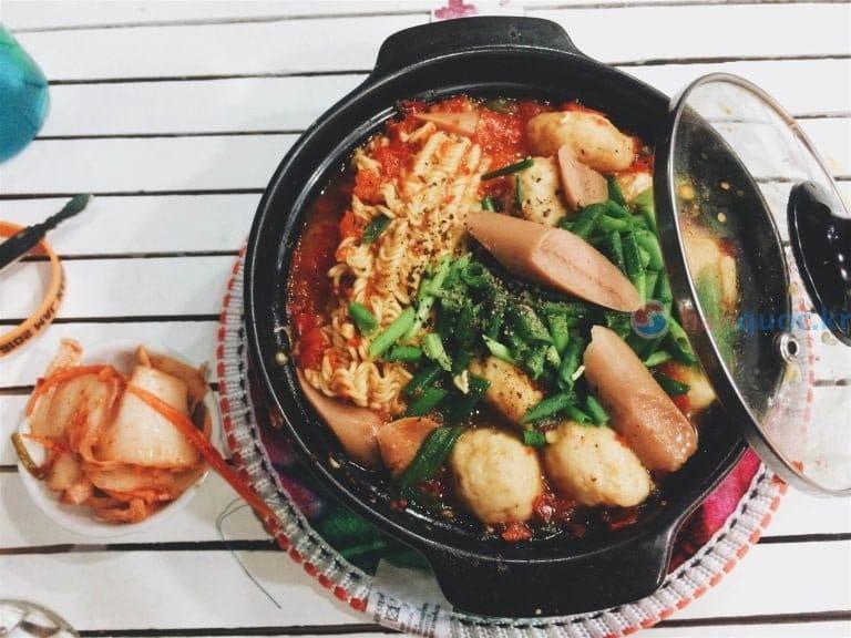 """Giới thiệu quán mì ngon ở Seodaemun: ăn một lần là """"ghiền"""" ngay!"""