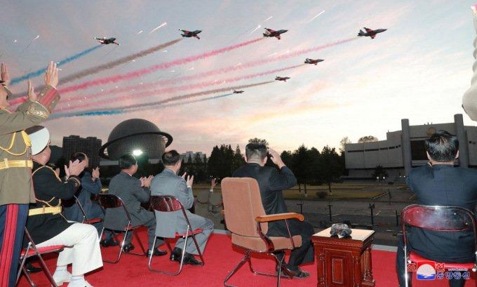 Triều Tiên khoe dàn tên lửa để 'át vía' Hàn Quốc